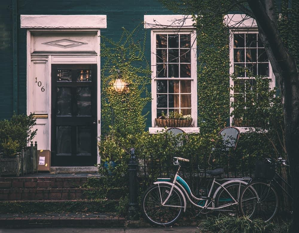De gevel van een lief huisje (mocht je een hypotheek willen afsluiten dan is je studieschuld verzwijgen een slecht idee)